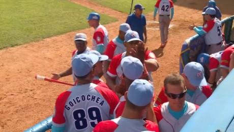 MLB trip brings Cuban defectors home