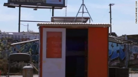 Shipping containers as places to live Simon pkg Erin _00015902
