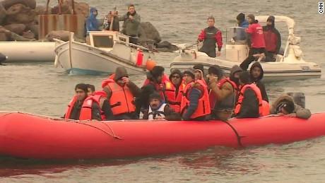 refugees greek island lesbos sidner pkg_00011920.jpg