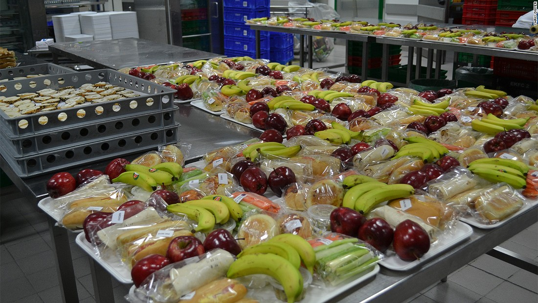 Inside One Of World 39 S Biggest Airline Food Factories