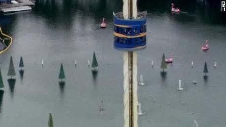 seaworld orlando sky tower ride stuck passengers vo nr_00012917