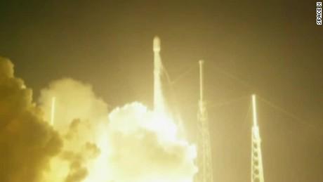 space x rocket launch sot_00001226