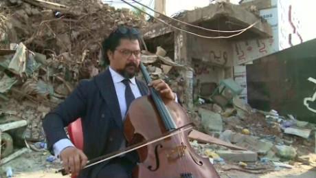 cnnee vo iraq karim wasfi defeats terror with music_00020811