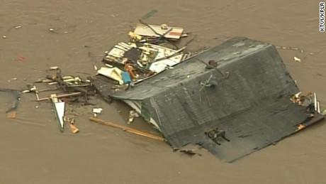 missouri floods roof rescue house underwater mobile_00000614.jpg