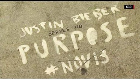 justin bieber graffiti orig_00002223.jpg