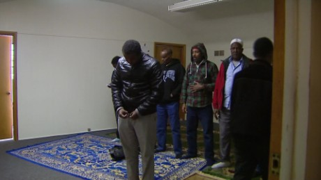 muslim employees fired over prayer dispute_00000430