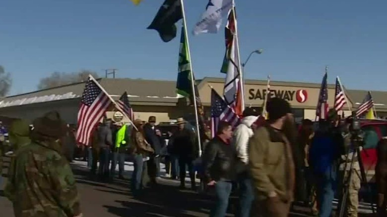oregon armed protesters occupy federal land sandoval dnt_00001413