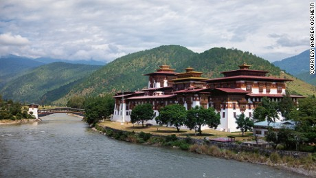 Punakha Dzong marks the victory of Bhutan against Tibet in a battle over a cherished relic.