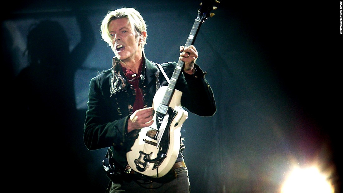 Bowie performs in Copenhagen in 2003.