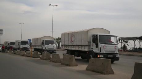 aid workers syria madaya aid lkl paton walsh _00012308