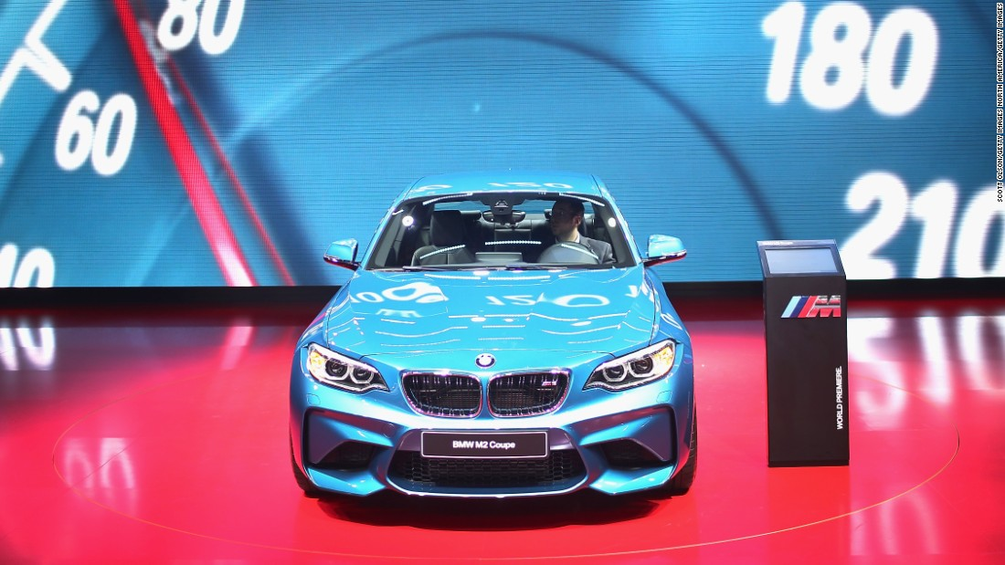 The 2 Series, when combined with the the M sports package = pure passion. That's the formula BMW is using for for this coupe, which retains the classic lines seen in the 5 series a few years ago.