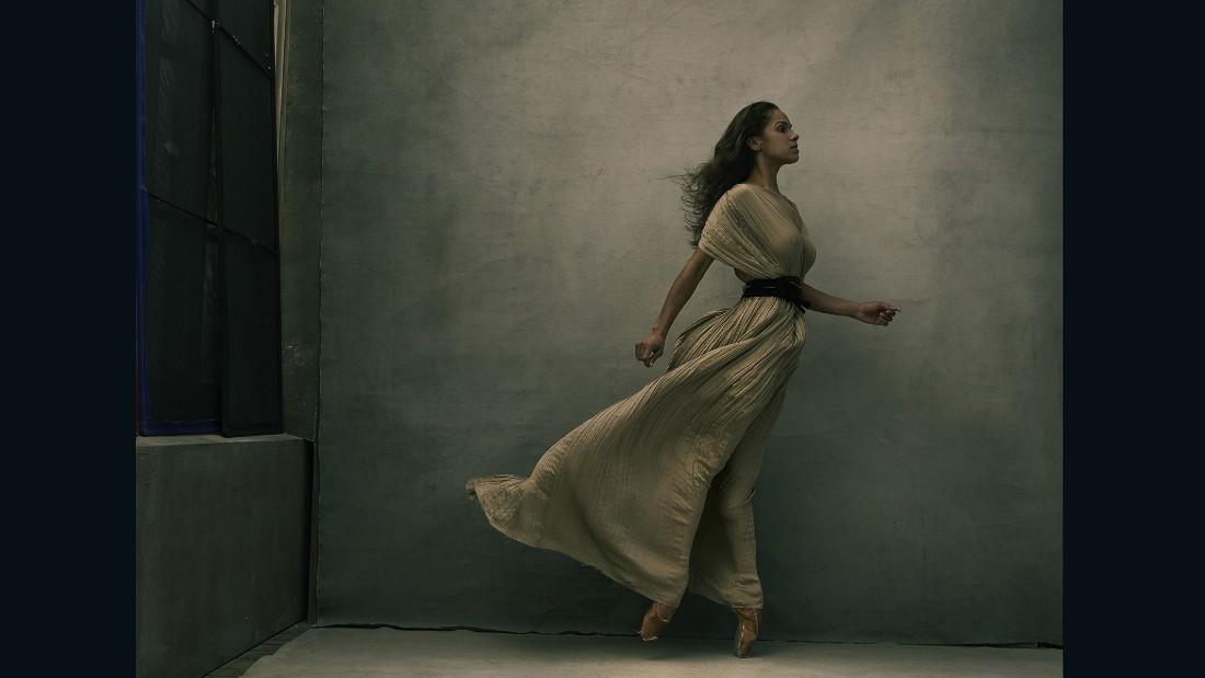'Women': Annie Leibovitz unveils portraits of Amy Schumer ...