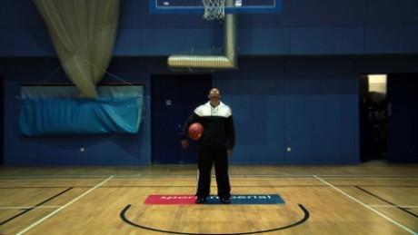 basketball nba shortest player muggsy bogues intv_00001806.jpg