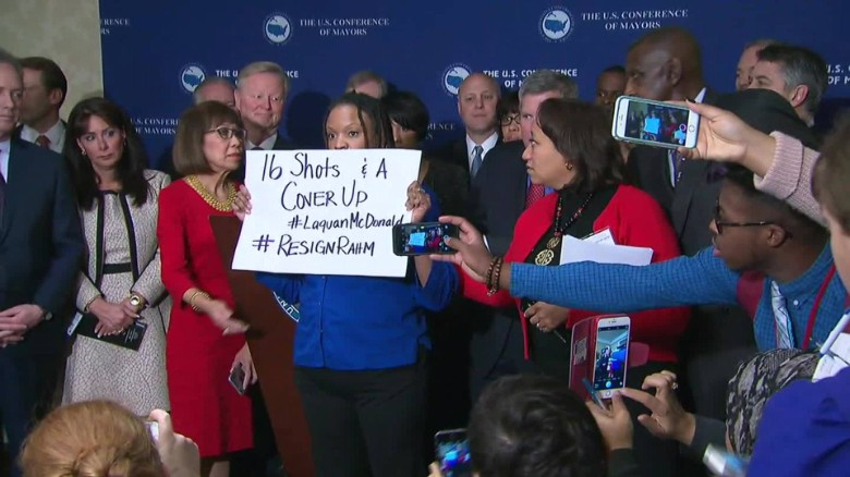 Protester calls for Rahm Emanuel's resignation