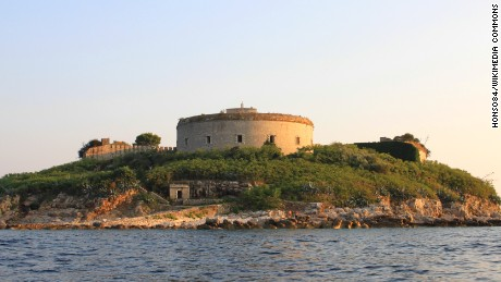 During the Second World War the occupying Italian army used Fort Mamula as a concentration camp