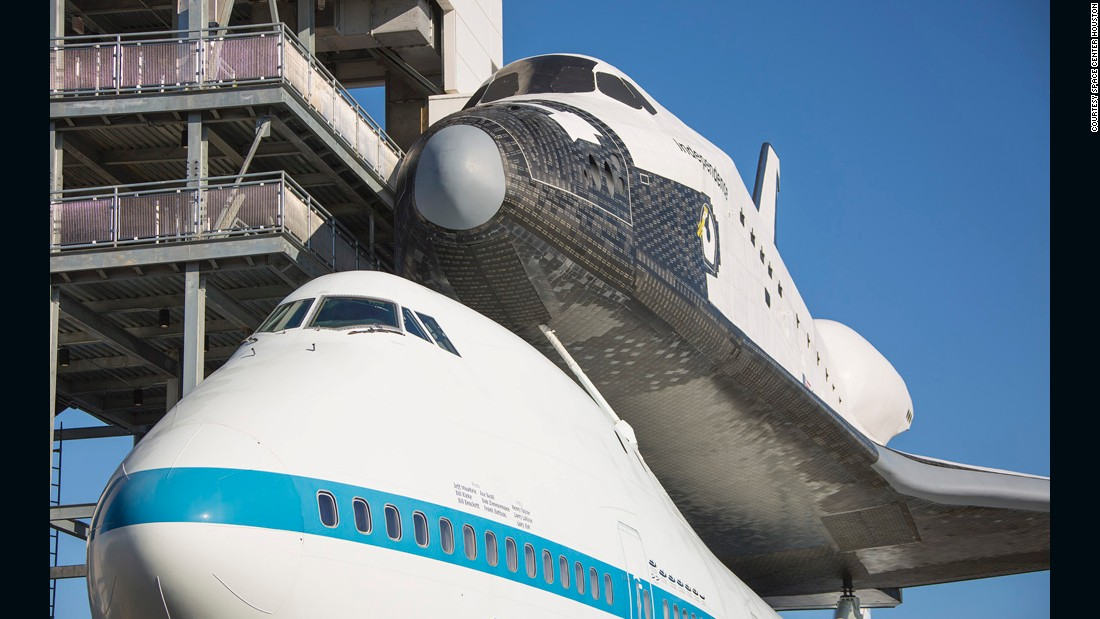 Space shuttle piggyback 747 unveiled - CNN.com