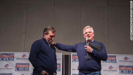 Glenn Beck apologizes to listeners for backing Ted Cruz