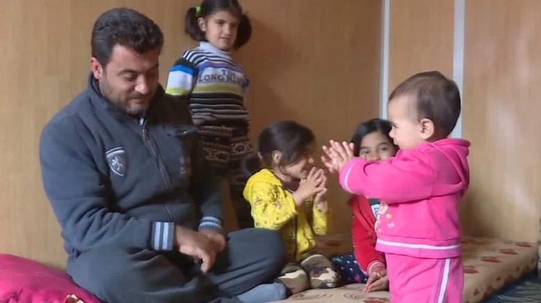 Syrian refugees brace for winter in Jordanian camp