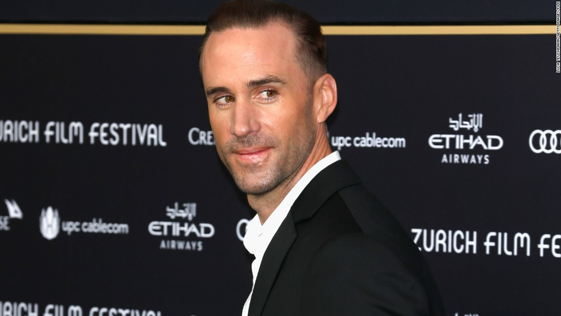 "Actor Joseph Fiennes has <a href=""http://www.theguardian.com/tv-and-radio/2016/jan/26/joseph-fiennes-michael-jackson-9-11-road-trip-sky-arts"" target=""_blank"">reportedly been cast to play late superstar Michael Jackson</a> in a British made-for-TV movie about a road trip Jackson, Elizabeth Taylor and Marlon Brando took after the September 11 attacks."