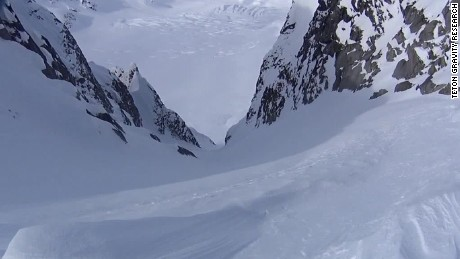 skier falls 1000 feet orig mg_00010904.jpg