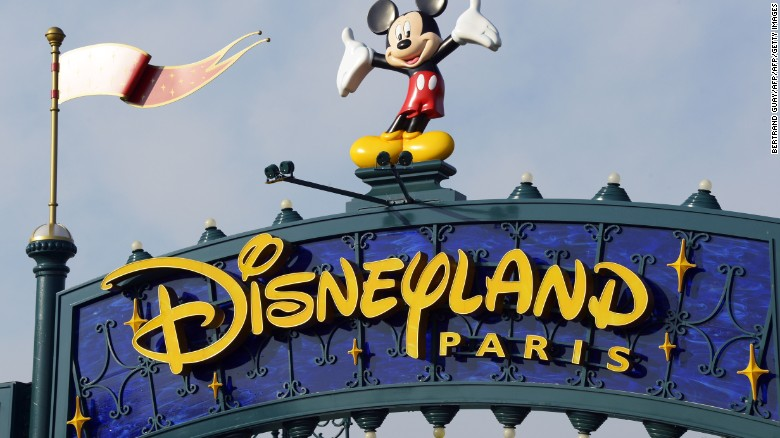 Man with guns, Quran arrested at Disneyland Paris