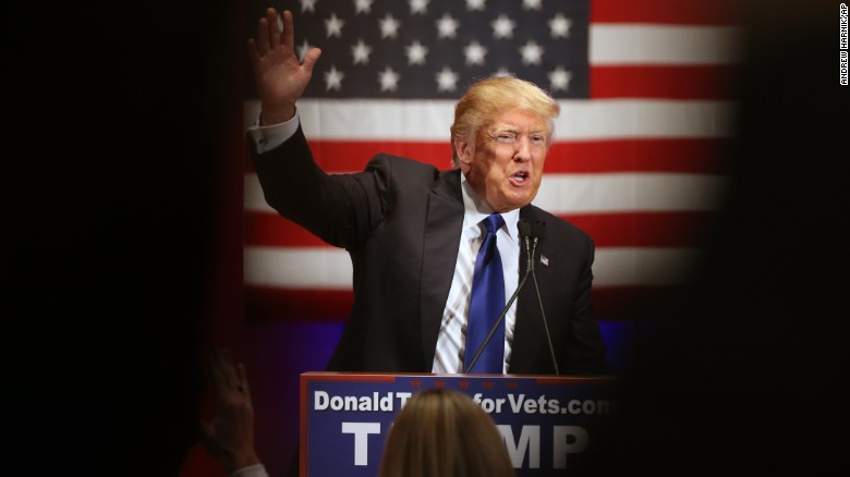 Republican presidential candidate Donald Trump waves tot the crowd at a event at Drake University in Des Moines, Iowa, Thursday, Jan. 28, 2016. (AP Photo/Andrew Harnik)