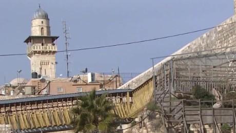 israel western wall mixed gender prayer liebermann_00003703.jpg