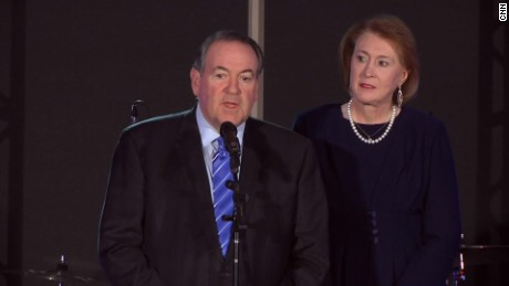 Mike Huckabee drops out of 2016 presidential race