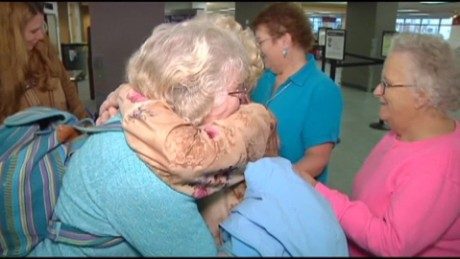 mother daughter reunited after 82 years_00013826