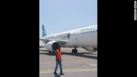 Plane makes emergency landing in Somalia with hole in side