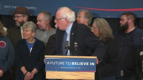 bernie sanders new hampshire faint sot_00000309.jpg