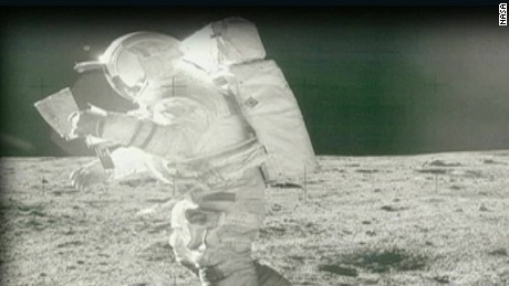 edgar mitchell astronaut moon larry king live intv_00002410