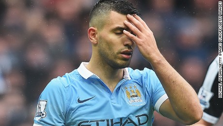 MANCHESTER, ENGLAND - FEBRUARY 06:  Sergio Aguero of Manchester City reacts during the Barclays Premier League match between Manchester City and Leicester City at the Etihad Stadium on February 6, 2016 in Manchester, England.  (Photo by Michael Regan/Getty Images)