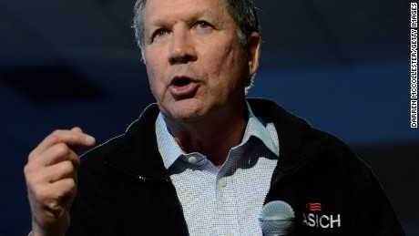 CONCORD, NH - FEBRUARY 7:  Republican presidential candidate, Ohio Gov. John Kasich holds a town hall at Concord High School February 7, 2016 in Concord, New Hampshire. Candidates are in a last push for votes ahead of the first in the nation primary on February 9. (Photo by Darren McCollester/Getty Images)