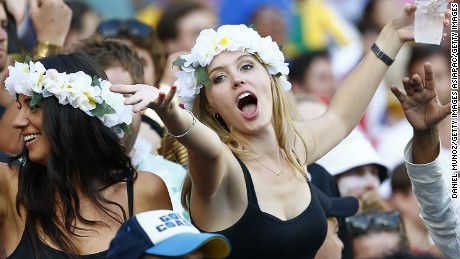 SYDNEY, AUSTRALIA - FEBRUARY 07:  A rugby fan enjoys the 2016 Sydney Sevens at Allianz Stadium on February 7, 2016 in Sydney, Australia.  (Photo by Daniel Munoz/Getty Images)