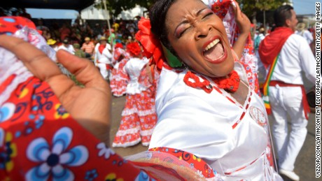 BARRANQUILLA, COLOMBIA - FEBRUARY 07: Members of The Gran Parade take part of the Barranquilla Carnival on February 07, 2016 in Barranquilla, Colombia. The Carnival is one of the most important festivals of the country and take place until February 9, 2016. (Photo by Alfonso Cervantes/LatinContent/Getty Images)