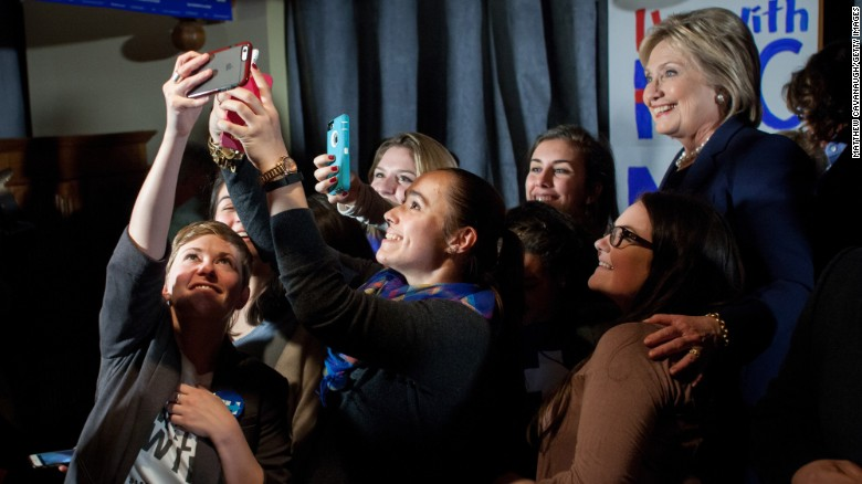 Sanders resonating with young women more than Clinton