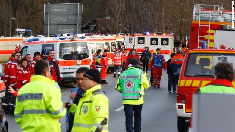 Четверо погибших и 15 тяжело раненых из-за столкновения двух поездов в Баварии