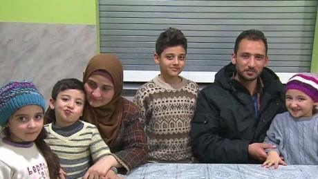 canada syrian refugees griffin pkg nr_00033913.jpg