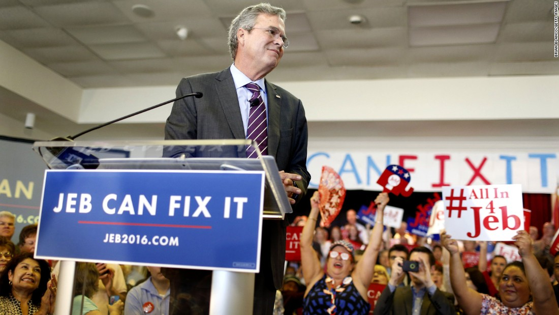 """Republican presidential candidate and former Florida Gov. Jeb Bush speaks to supporters during a rally on his """"Jeb Can Fix It"""" tour on November 2, 2015."""