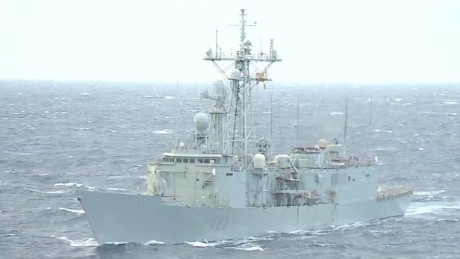 eu warship targets human traffickers black dnt_00002612.jpg
