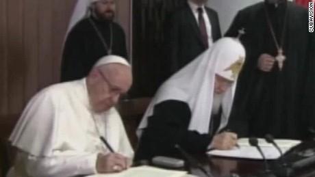 pope francis patriarch kirill sign declaration oppmann_00001123.jpg