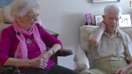 102 year old couple married 80 years pkg_00000210