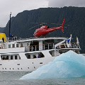 EA-Heli-Skiing-yacht_heliskiing