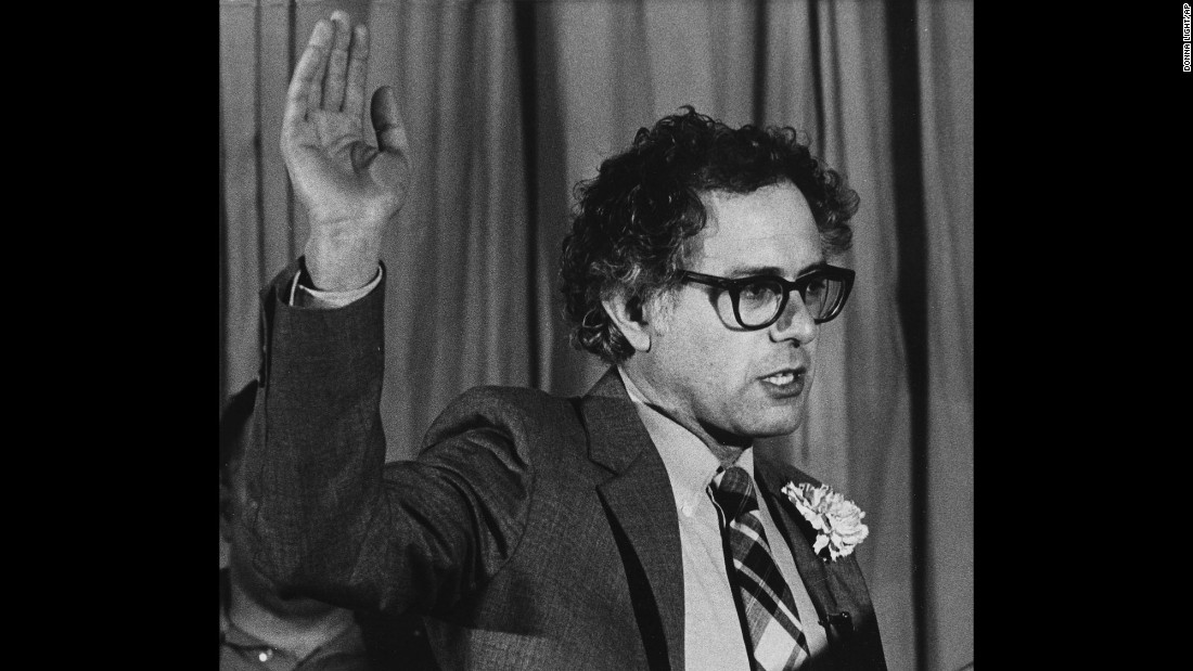 Sanders takes the oath of office to become the mayor of Burlington, Vermont, in 1981. He ran as an independent and won the race by 10 votes.
