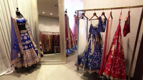 saving our sari orig pkg_00004612