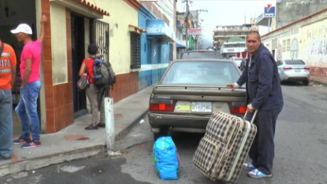 cnnee pkg laura castellanos la frontera tachira colombia venezuela _00033519