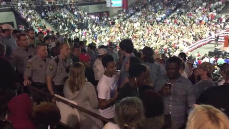 trump rally valdosta students kicked out_00003304