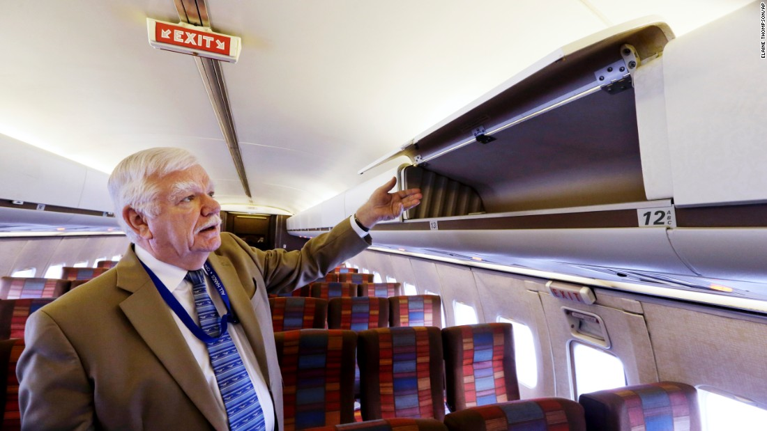 If you think overhead compartments are small now, take a look at what they were like inside the first Boeing 727. Museum of Flight senior curator Dan Hagedorn shows us. Do you think you could fit your luggage in there?<br />