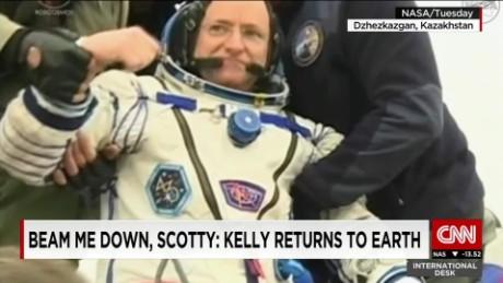 exp NASA astronaut returns to Earth_00002001